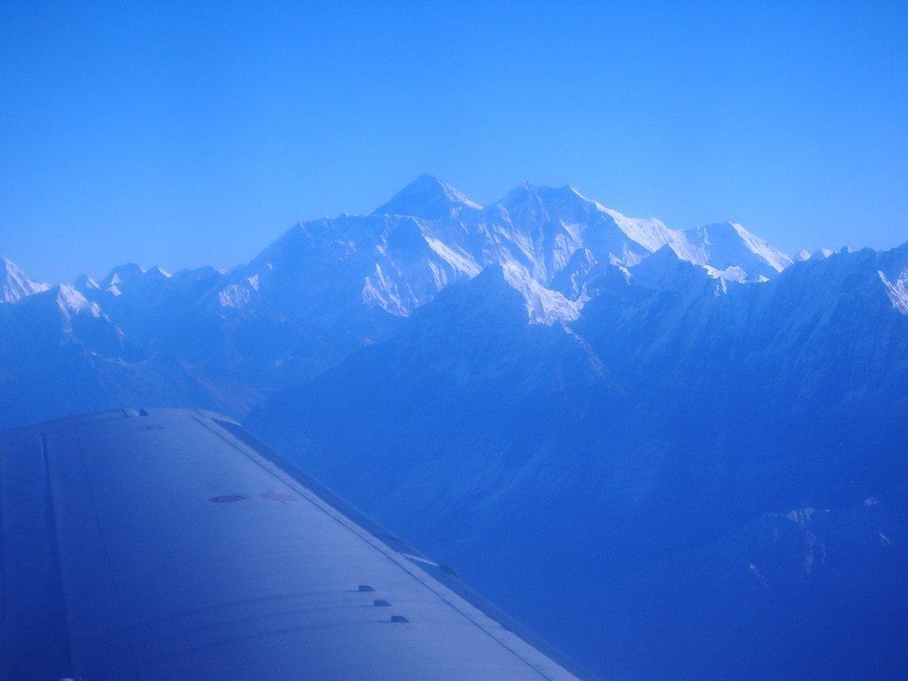 Fantastic Wallpaper Mountain Blurry - everest-from-plane  Trends_439783.jpg